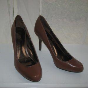 Carlos Santana Brown Pump Heel Size 7 Leather
